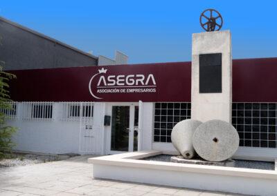 Polígono Industrial en Granada / Rehabilitación y Reforma. Arquitectura, diseño de Interior.